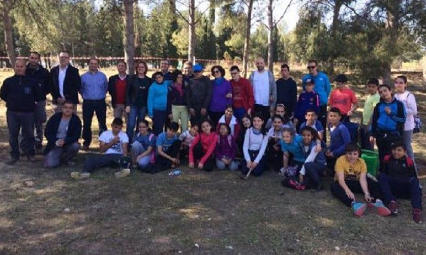 Cinco colegios han participado hoy en la primera de las jornadas de reforestación