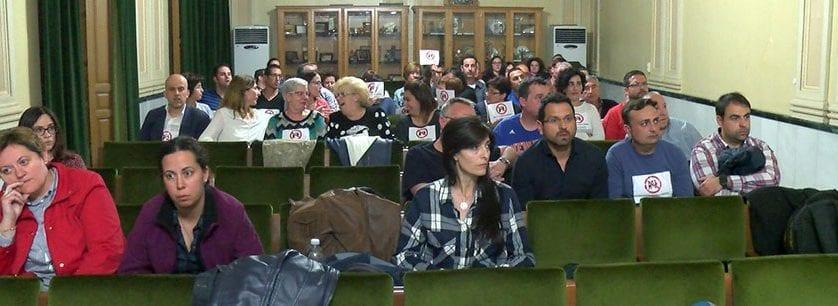 Los vecinos siguen rechazando la instalación de una gasolinera en Avda Levante