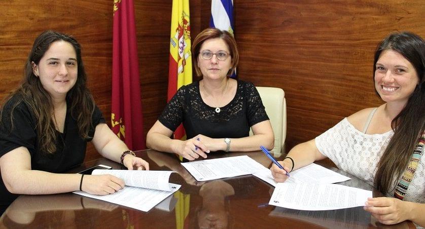 Firmado el convenio de colaboración entre Ayuntamiento y Asociación 4 Patas