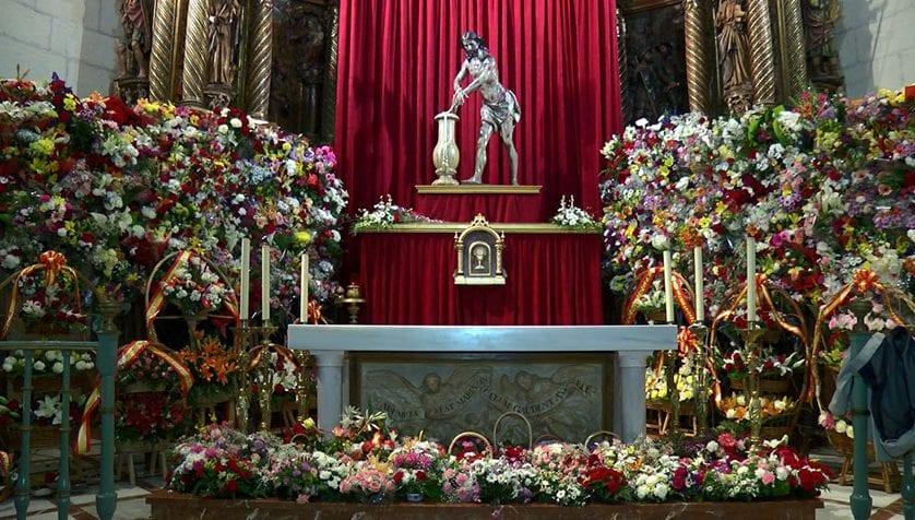 Ayer tuvo lugar la Ofrenda de Flores al Cristo con la participación de cientos de personas
