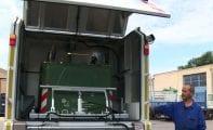 Coincidiendo con la llegada de un nuevo camión lava contenedores el Ayuntamiento modifica el horario de recogida de basura