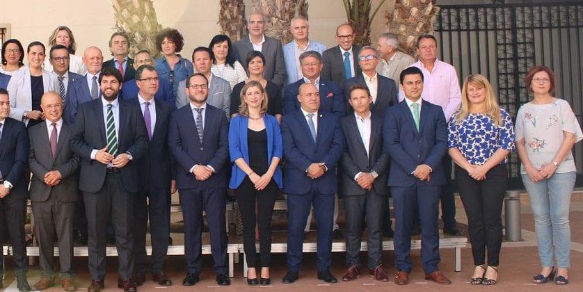 El Consejo de Alcaldes se reúne con el nuevo presidente de la Región de Murcia