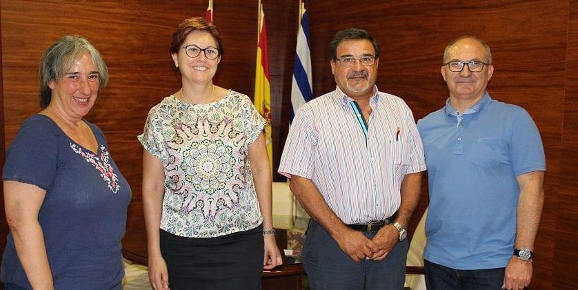 Firmado el convenio entre Proyecto Abraham y el Ayuntamiento para recogida selectiva de textil, calzado y juguetes