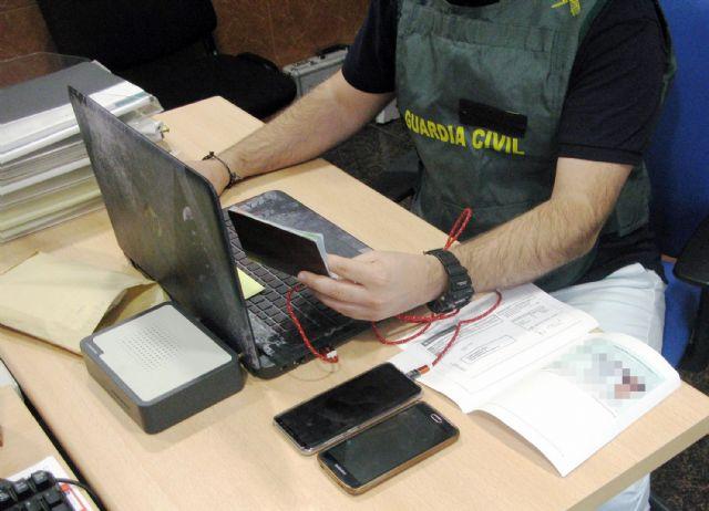 Detenidos en Jumilla dos integrantes de una red dedicada a obtener móviles de alta gama fraudulentamente