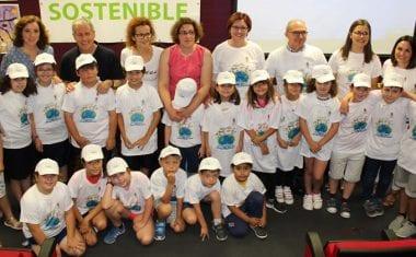 Dos póster de 2º de Primaria del Cruz de Piedra triunfan en el Concurso 'Cuidemos el Medio Ambiente'