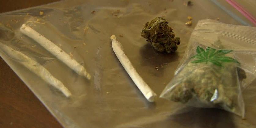 Los acusados de vender droga en una casa cueva cumplirán un año de cárcel
