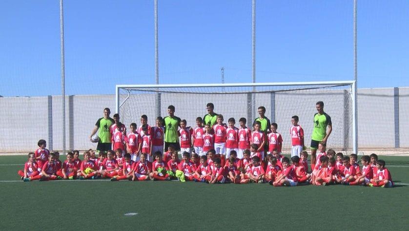 El I Campus de Fútbol 'Sergi Guardiola' concluye con éxito