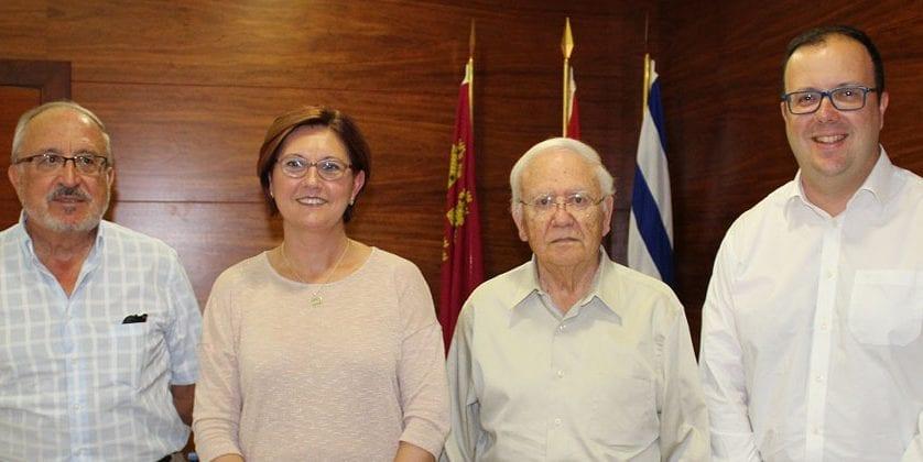 La Alcaldesa ha recibido al investigador jumillano Miguel Marín Padilla