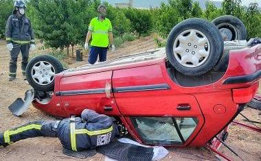 Fallece un hombre en Jumilla al chocar el turismo en el que viajaba con un camión