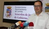 El Ayuntamiento eliminará las barreras arquitectónicas de la acera de la Casa de la Cultura
