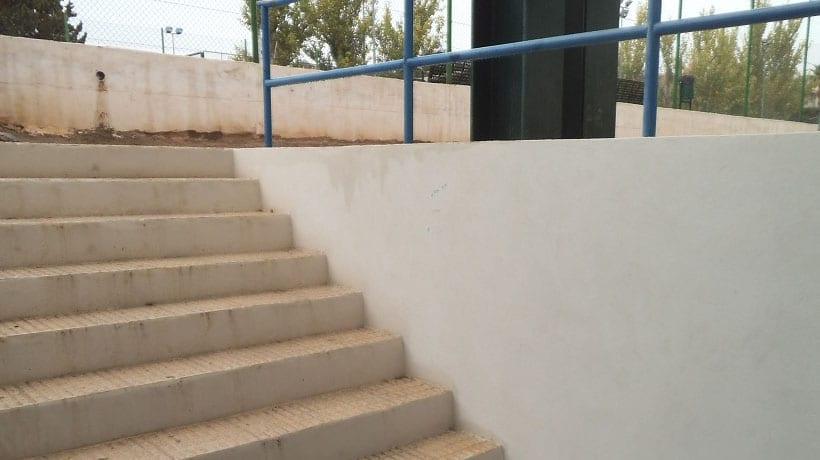 El Ayuntamiento adecentará los vestuarios del Polideportivo La Hoya