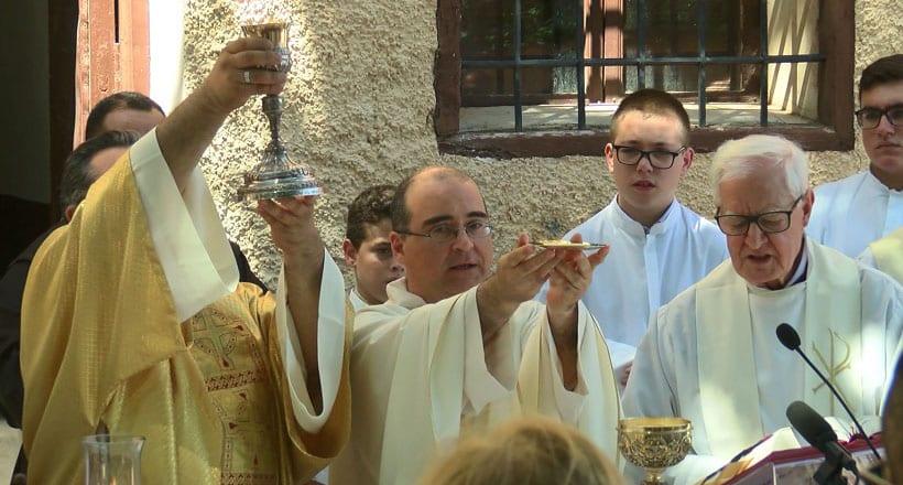 El Convento de Santa Ana acogió la primera misa de Fr. Francisco Javier Rojo