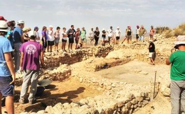 La primera jornada de puertas abiertas a las excavaciones de Coimbra del Barranco Ancho fue un éxito