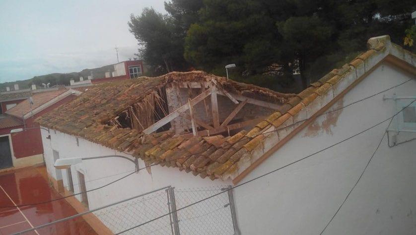 La Junta de Gobierno aprueba la segunda fase de rehabilitación de la cubierta del colegio de la Fuente del Pino