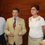 La alcaldesa se entrevista con el consejero de Agricultura en el Ayuntamiento de Jumilla