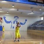 El Ayuntamiento renovará las canastas de baloncesto del Pabellón Municipal Carlos García