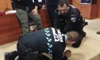 La Plantilla de la Policía Local se forma en el uso del desfibrilador