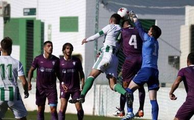 Al FC Jumilla se le escapa la victoria en el tiempo de descuento