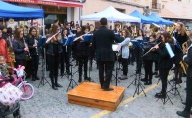 Papá Noel llegó a Jumilla acompañado de la Banda Juvenil de la Julián Santos