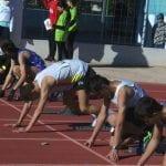 El atletismo se vivió en La Hoya a pesar del viento y el frio