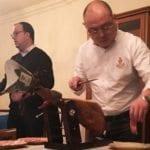 El cortador chino de jamón Yafei Wang visita Jumilla para acercar productos murcianos a la gastronomía de su país