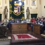 El pleno municipal aprueba que se estudie la peatonalización de la calle Cánovas