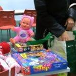Muchos niños llevaron sus juguetes al Taller de Reciclado del Banco del Tiempo