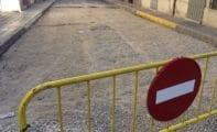 El Ayuntamiento contratará a un oficial y dos peones de albañilería para reparaciones de vías públicas