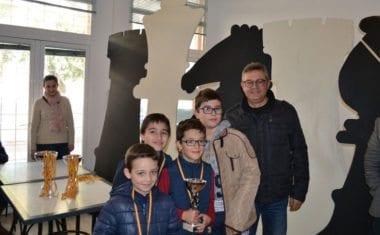 El CEIP Miguel Hernández queda tercero en el I Campeonato de Ajedrez por Equipos de colegios