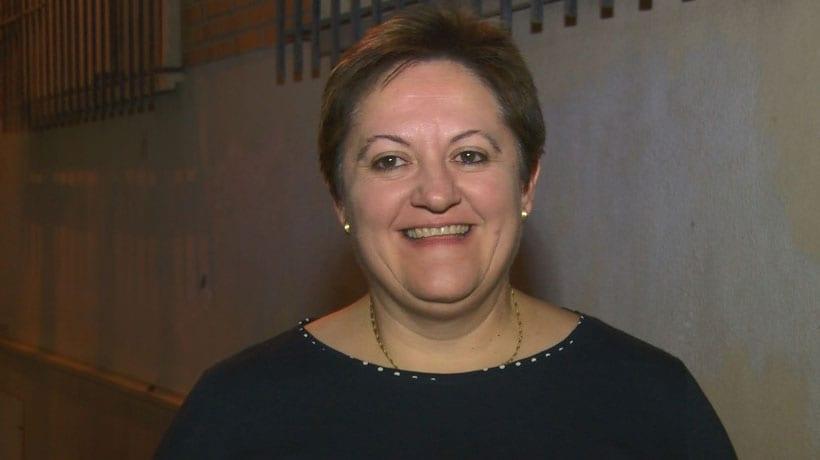 La diputada Yolanda Fernández pide explicaciones al consejero de Salud de por qué no ha convocado el concurso de adjudicación de las nuevas oficinas de farmacia