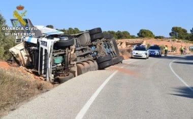 Detenido un conductor que superaba la tasa de alcohol y tuvo un accidente en Jumilla