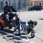 El Ayuntamiento de Jumilla adquiere una señalizadora vial que reducirá el tiempo de ejecución de los trabajos