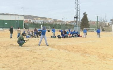 Tres equipos participaron en el I Torneo de Softball
