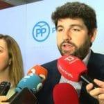 López Miras se reúne con la militancia popular de Jumilla para explicarles su proyecto político