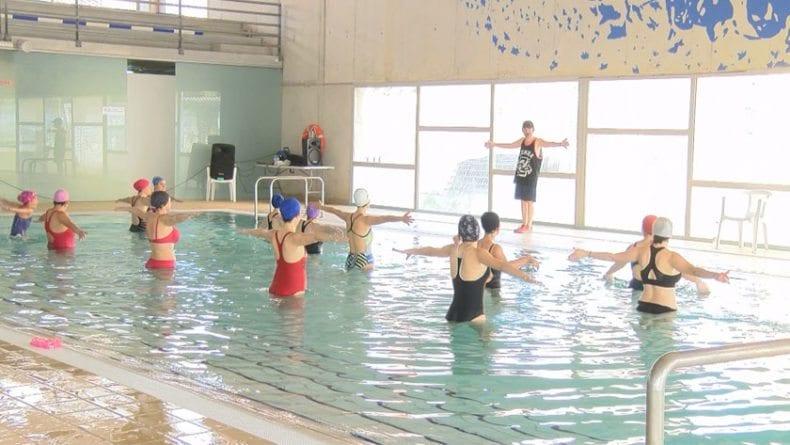 Aquazumba en la piscina climatizada