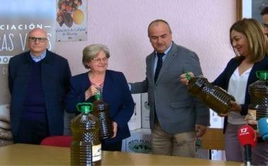 Agricultura dona más de mil cien litros de aceite producidos en Jumilla a colectivos sociales
