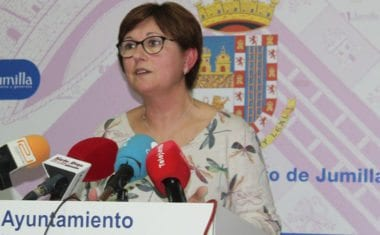 Juana Guardiola asegura que la única responsable de que la carretera de El Carche no esté arreglada es la Comunidad Autónoma