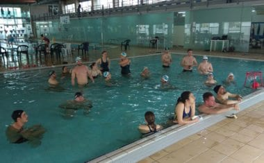 Los II Largos Solidarios reunieron a casi ochenta nadadores
