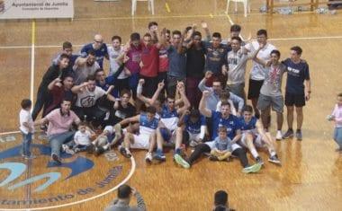 40 minutos separan al Club de Baloncesto Jumilla del título de liga de 2ª Autonómica