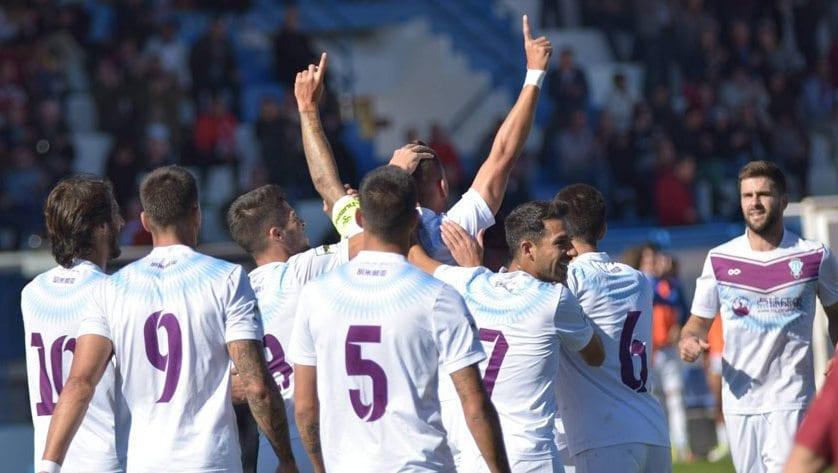 El FC Jumilla pone de nuevo las entradas a 1€ para el partido ante el Recre #JuntosSinExcusas