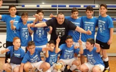 Los infantiles de   la  Escuela de  Fútbol Sala de Carchelo se proclaman  Campeones de liga