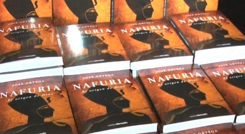 Presentado en Jumilla el libro 'Nafuria (el origen de Dios)'