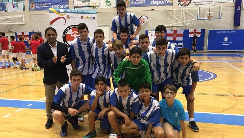 Los infantiles de balonmano terminaron terceros de su grupo H en la primera fase del sector nacional