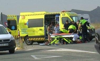 Herido grave un motorista en el cruce de la carretera de Fuente Álamo