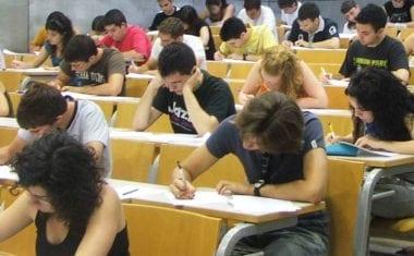 Más de cien alumnos jumillanos se enfrentan a las pruebas de la EBAU
