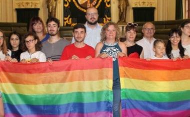Colocada la bandera del orgullo LGTBI en el balcón del Ayuntamiento y en marcha la ruta 'Jumilla es diversa'
