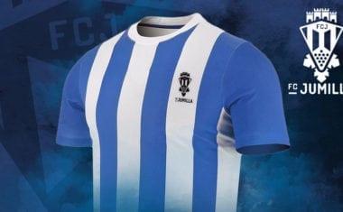 El FC Jumilla recupera sus colores blanquiazules