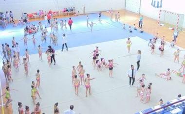 300 gimnastas llenaron el Carlos García