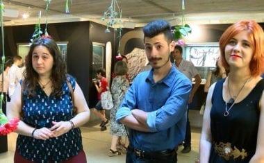 'Bohemios al fresco' presenta su exposición de pintura y ofrece un concierto de música