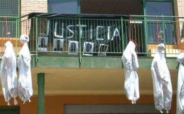 'Jumilla Actúa' aprovecha el mercado semanal para pedir justicia en el caso de 'la manada'